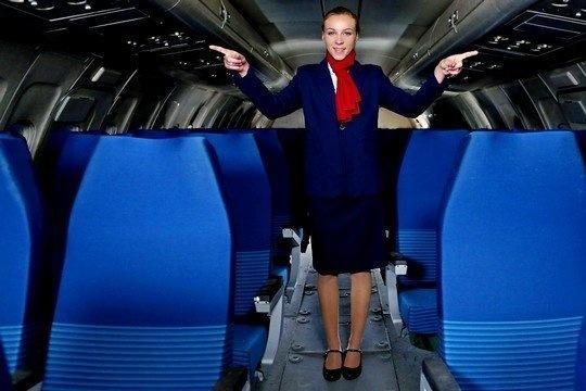Стюардессе после долгого полета необходим жесткий анальный секс