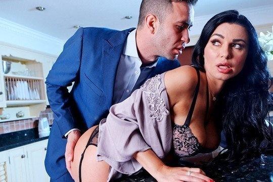Шикарная жена приехала к любовнику и получила его хуй себе в жопу